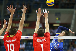07.09.2014, Krakow Arena, Krakau, POL, FIVB WM, Frankreich vs Belgien, Gruppe D, im Bild Kevin Tillie (FRA), Simon Van De Voorde (BEL), Bram Van Den Dries (BEL) // during the FIVB Volleyball Men's World Championships Pool D Match beween France and Belgium at the Krakow Arena in Krakau, Poland on 2014/09/07.<br /> <br /> ***NETHERLANDS ONLY***