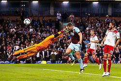 Sam Vokes of Burnley misses a chance to score with a header - Mandatory by-line: Robbie Stephenson/JMP - 30/08/2018 - FOOTBALL - Turf Moor - Burnley, England - Burnley v Olympiakos - UEFA Europa League Play-offs second leg