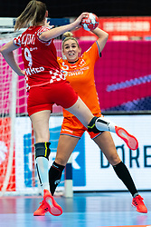 Camila Micijevic of Croatia, Jessy Kramer of Netherlands in action during the Women's EHF Euro 2020 match between Croatia and Netherlands at Sydbank Arena on december 06, 2020 in Kolding, Denmark (Photo by RHF Agency/Ronald Hoogendoorn)