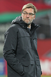 18.02.2016, WWKArena, Augsburg, GER, UEFA EL, FC Augsburg vs FC Liverpool, Sechzehntelfinale, Hinspiel, im Bild Trainer Juergen Klopp ( FC Liverpool ) nachdenklich, // during the UEFA Europa League Round of 32, 1st Leg match between FC Augsburg and FC Liverpool at the WWKArena in Augsburg, Germany on 2016/02/18. EXPA Pictures © 2016, PhotoCredit: EXPA/ Eibner-Pressefoto/ Langer<br /> <br /> *****ATTENTION - OUT of GER*****