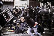 Una carica delle forze dell'ordine in via XX Settembre davanti al del Ministero dell'Economia e delle Finanze. Roma, 19 ottobre 2013. Christian Mantuano / OneShot