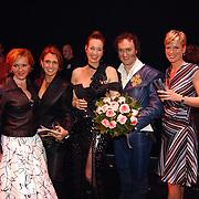 Premiere 3 Musketiers, Marisca van Kolck, Jenny Sluyter, Marjolein Keuning, Henk Poort en Renate van der Zalm