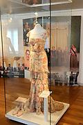 Beatrix opent tentoonstelling Máxima, 10 jaar in Nederland.//<br /> Queen Beatrix opens the exibition Maxima 10 years in the Netherlands<br /> <br /> Op de foto: Een Galajurk van Maxima , ontwerper Valentino /. A Gala Maxima dress, designer Valentino