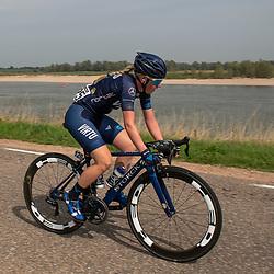 29-08-2018: Wielrennen: Ladies Tour: Nijmegen<br /> Trine Schmidt, Team Virtu Cycling, probeert langs de Waal vergeefs weg te springen
