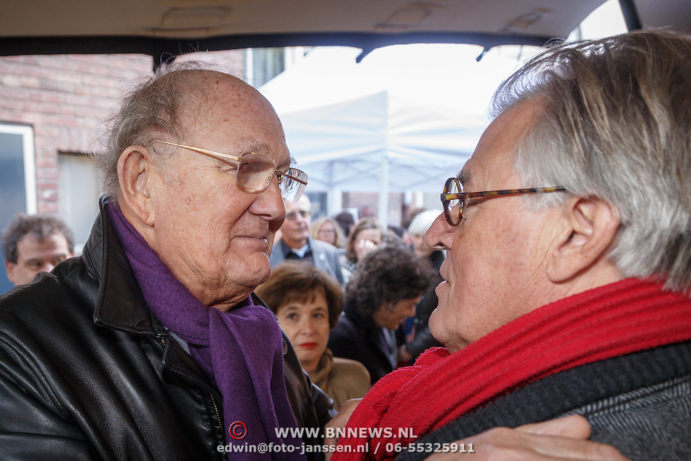 NLD/Amsterdam/20160515 - Nationaal Holocaust museum opent met schilderijen Jeroen Krabbé, Joop van der Ende met Jeroen Krabbe