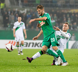 20.10.2016, Weststadion, Wien, AUT, UEFA EL, SK Rapid Wien vs US Sassuolo Calcio, Gruppe F, im Bild Maximilian Hofmann (SK Rapid Wien), Federico Ricci (US Sassuolo Calcio) // during a UEFA Europa League, group F game between SK Rapid Wien and US Sassuolo Calcio at the Weststadion, Vienna, Austria on 2016/10/20. EXPA Pictures © 2016, PhotoCredit: EXPA/ Sebastian Pucher