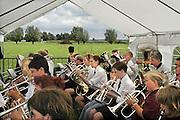 Nederland, Kekerdom, 24-8-2008     De plaatselijke fanfare speelt tijdens het koningsschieten.Foto: Flip Franssen/Hollandse Hoogte