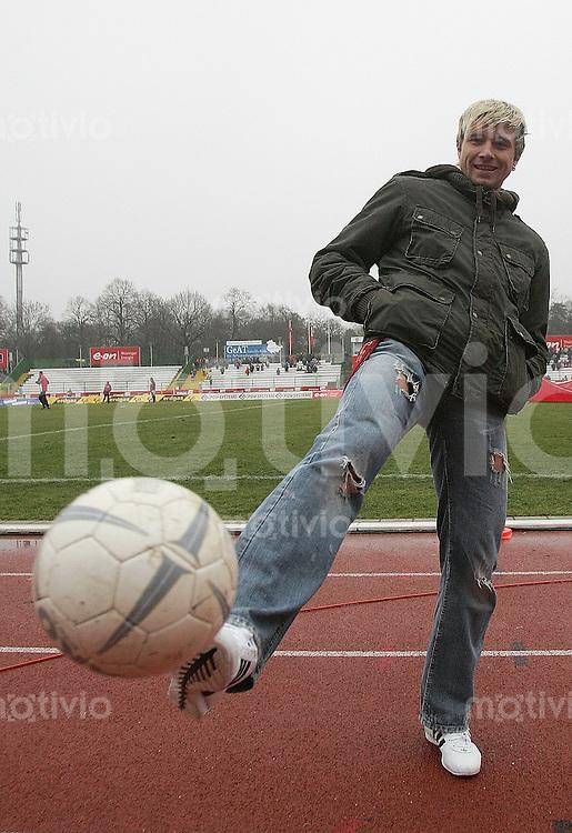 Erfurt , 100207 , Fussball Regionalliga Nord FC Rot Weiss Erfurt - LR Ahlen  Bjoern BRUNNEMANN (Erfurt)