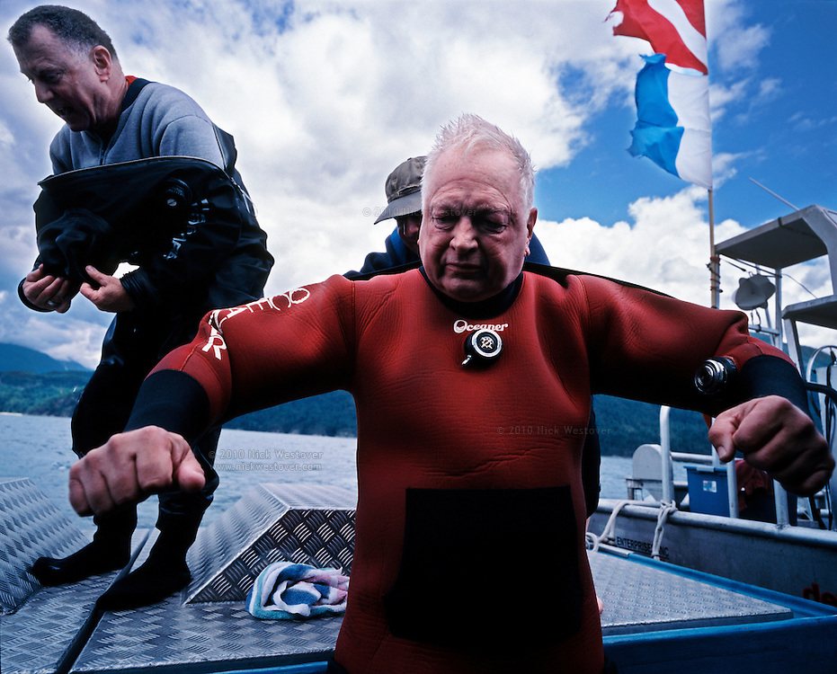 ARSBC founding members prepare to scuba dive on a wreck in Sechelt, BC.
