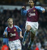 Fotball<br /> Premier League England 2004/2005<br /> Foto: SBI/Digitalsport<br /> NORWAY ONLY<br /> <br /> ASTON VILLA V LIVERPOOL<br /> NOLBERTO SOLANO CELE<br /> <br /> Villa Park 04/12/2004