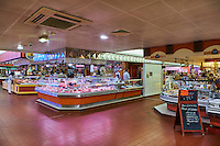 France, Region Centre-Val de Loire, Loiret (45), Orléans, marché des Halles Chatelet // France, Loiret, Orleans, Halles Chatelet market