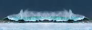 Wave refraction outside Flø, Norway. Note that I have duplicated a single frame, mirrored it, and stiched it togeter to a panorame to make a nice looking symetry wave | Bølgebrytning utenfor Flo, Norge. Bemerk at jeg har duplisert en enkel eksponering, speilvendt den, og sett sammen til et panorama for å skape en pen symmetrisk bølge.