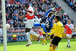 16-05-2010 VOETBAL: FC UTRECHT - RODA JC: UTRECHT<br /> FC Utrecht verslaat Roda in de finale van de Play-offs met 4-1 en gaat Europa in / Jacob Mulenga scoort de 3-1 nadat Przemyslaw Tyton de bal mist<br /> ©2010-WWW.FOTOHOOGENDOORN.NL