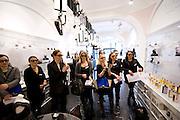 Journée de la femme au pop-up store Guerlain, Paris, le 8 mars 2012. Photo : Lucas Schifres/Pictobank
