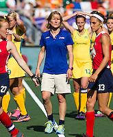 DEN HAAG - Rabobank World Cup Hockey 2014 .  Semi final Australia vs USA 2-2 , Austr. wins after shoot outs . Janneke Schopman, assistent coach  bij de  VS.COPYRIGHT KOEN SUYK