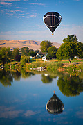 Hot air balloon at the Prosser Ballon Rally in Prosser, Washington