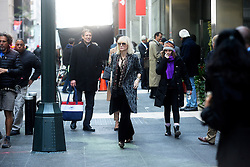 October 26, 2016 - New York, New York, USA - Cate Blanchett bei den Dreharbeiten zun Kinoflim 'Ocean's Eight' in den Straßen von New York, 26.10.2016 (Credit Image: © Future-Image via ZUMA Press)