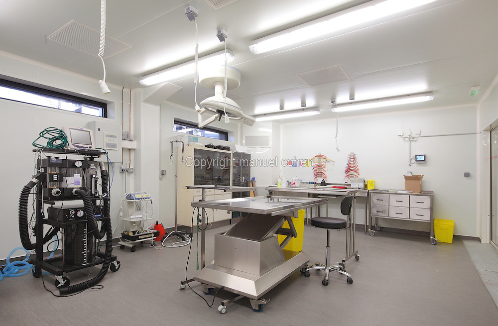 Operating room of the Veterinary Clinic of the new Parc Zoologique de Paris or Zoo de Vincennes, (Zoological Gardens of Paris or Vincennes Zoo), which reopened April 2014, part of the Musee National d'Histoire Naturelle (National Museum of Natural History), 12th arrondissement, Paris, France. Picture by Manuel Cohen