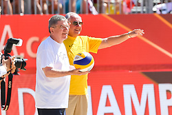 29.07.2017, Donauinsel, Wien, AUT, FIVB Beach Volleyball WM, Wien 2017, im Bild v.l. Präsident Thomas Bach (IOC), Präsident Ary Graca Filho (FIVB) // f.l. President of the International Olympic Committee Thomas Bach President of the Federation Internationale de Volleyball Ary Graca Filho during the 2017 FIVB Beach Volleyball World Championships at the Donauinsel in Wien, Austria on 2017/07/29. EXPA Pictures © 2017, PhotoCredit: EXPA/ Sebastian Pucher
