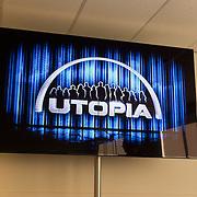 NLD/Bussum/20131219 - Perspresentatie nieuwe real life soap Utopia, tv scherm