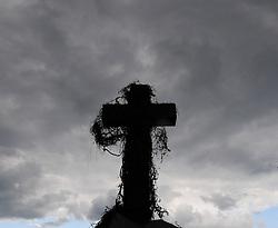16.05.2011, Friedhof Grinzing, Wien, AUT, Friedhof Features, im Bild Grabstein Feature, EXPA Pictures © 2011, PhotoCredit: EXPA/ M. Gruber
