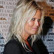 NLD/Amsterdam/20101110 - Presentatie Linda het Boek, journaliste Antoinette Scheulderman