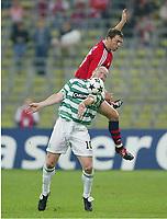 v.l. John Hartson, Thomas Linke Bayern <br /> Champions League FC Bayern München - Celtic Glasgow<br /> <br /> Norway only
