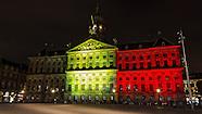 Het Paleis op de Dam werd verlicht in de kleuren van de Belgische vlag vanwege de aanslagen in Bruss