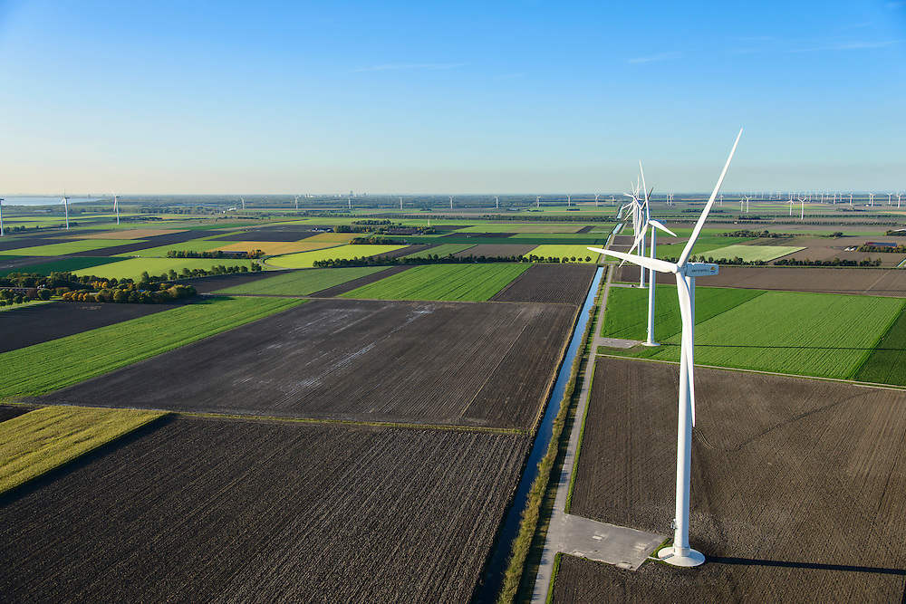 Nederland, Flevoland, Zeewolde, 24-10-2013;  Prinses Alexia windpark (voorheen windpark  De Zuidlob). Het windmolenpark (windpark) is een initiatief van  lokale  boeren en Nuon - Vattenfall. <br /> Wind farm De Zuidlob. The wind farm in the polder Flevoland is an initiative of local farmers and Nuon - Vattenfall. <br /> luchtfoto (toeslag op standard tarieven);<br /> aerial photo (additional fee required);<br /> copyright foto/photo Siebe Swart