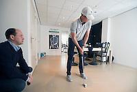 RIDDERKERK - EYE-SPORT. Maarten Lafeber bij optometrist Richard Hoctin Boes. High Performance SportsVision Training (HPST) HPST van ZIEN is een individueel trainingsprogramma uitgewerkt door SportsVision optometrist Richard L.M. Hoctin Boes, BSc. Optometry. COPYRIGHT KOEN SUYK