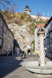 """THEMENBILD - Der leere Schloßbergplatz in Graz in Folge des Coronavirus-Ausbruchs in Österreich, aufgenommen am 15.03.2020 in Graz, Österreich // Empty place at the """"Schlossbergplatz"""" as a result of the coronavirus outbreak in Austria, on 2020/03/15 in Graz, Austria. EXPA Pictures © 2020, PhotoCredit: EXPA/ Erwin Scheriau"""