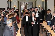 Prinses Máxima bij oratie hoogleraar Prince Claus Chair .<br /> <br /> Hare Koninklijke Hoogheid Prinses Máxima der Nederlanden is woensdagmiddag 23 maart 2011 in het Academiegebouw van de Universiteit Utrecht aanwezig bij de oratie van professor Atul Kumar. De heer Kumar is op voordracht van het curatorium van de Prince Claus Chair in Development and Equity door het college van bestuur van de Universiteit Utrecht benoemd tot hoogleraar op de Prince Claus Chair. Hij gaat zich de komende 2 jaar bezighouden met klimaatonderzoek.<br /> <br /> Princess Máxima professor Prince Claus Chair lecture.<br /> <br /> Her Royal Highness Princess Máxima of the Netherlands on Wednesday March 23, 2011 in the Academy Building of Utrecht University attended the inaugural lecture by Professor Atul Kumar. Mr. Kumar has been nominated by the Trustees of the Prince Claus Chair in Development and Equity by the Executive Board of Utrecht University has appointed Professor at the Prince Claus Chair. He goes over the next two years engaged in climate research.
