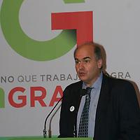 Toluca, México.- Alain Grimard, Director de la Oficina para América Latina y El Caribe, ONU- HABITAT, durante la firma de Convenio de Colaboración en Materia de Políticas Públicas entre el GEM y la Organización de las Naciones Unidas, ONU-HABITAT. Agencia MVT / José Hernández