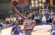 DESCRIZIONE : Cantu' Lega A 2015-16 Acqua Vitasnella Cantu' - Dinamo Banco di Sardegna Sassari<br /> GIOCATORE : Brad Heslip<br /> CATEGORIA : tiro penetrazione<br /> SQUADRA : Acqua Vitasnella Cantu'<br /> EVENTO : Campionato Lega A 2015-2016 GARA : Acqua Vitasnella Cantu' - Dinamo Banco di Sardegna Sassari <br /> DATA : 12/10/2015 <br /> SPORT : Pallacanestro <br /> AUTORE : Agenzia Ciamillo-Castoria/A.Scaroni<br /> Galleria : Lega Basket A 2015-2016 Fotonotizia : Cantu' Lega A 2015-16 Acqua Vitasnella Cantu' - Dinamo Banco di Sardegna Sassari