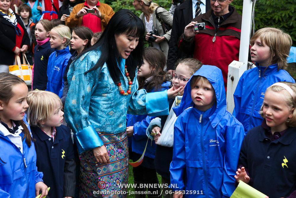 NLD/Laren/20100508 - Koningin Tshering Pem Wangchuck van Bhutan bezoekt Laren