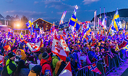 28.02.2019, Seefeld, AUT, FIS Weltmeisterschaften Ski Nordisch, Seefeld 2019, im Bild die Fans bei der Siegerehrung // the fans at the award ceremony during the FIS Nordic Ski World Championships 2019. Seefeld, Austria on 2019/02/28. EXPA Pictures © 2019, PhotoCredit: EXPA/ Stefan Adelsberger