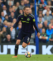 """Everton's Gylfi Sigurdsson during the Premier League match at the AMEX Stadium, Brighton. PRESS ASSOCIATION Photo. Picture date: Sunday October 15, 2017. See PA story SOCCER Brighton. Photo credit should read: Gareth Fuller/PA Wire. RESTRICTIONS: EDITORIAL USE ONLY No use with unauthorised audio, video, data, fixture lists, club/league logos or """"live"""" services. Online in-match use limited to 75 images, no video emulation. No use in betting, games or single club/league/player publications."""