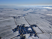 Nederland, Noord-Holland, Amsterdam, 13-02-2021; landelijk Noord, Zunderdorp. Winter landschap, het dorp omgeven door weilanden vol sneeuw.<br /> Small village north of Amsterdam, winter landscape.<br /> <br /> luchtfoto (toeslag op standaard tarieven);<br /> aerial photo (additional fee required)<br /> copyright © 2021 foto/photo Siebe Swart