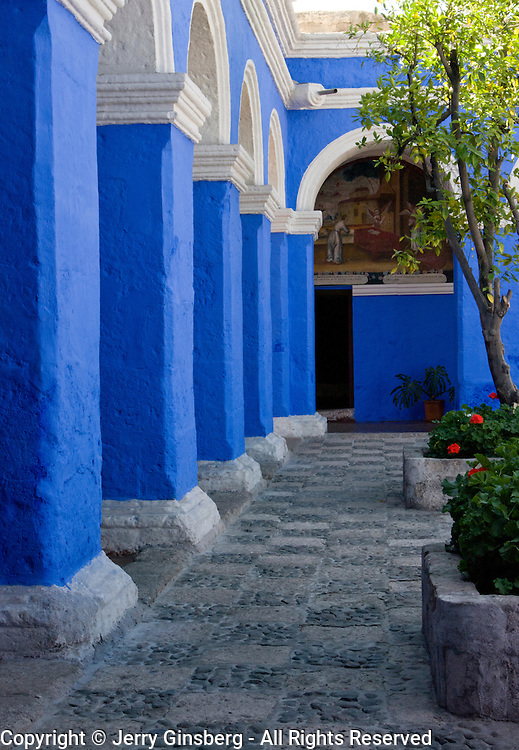"South America, Andes, Peru, Arequipa, White City, Santa Cartalina, Monasterio Santa Catalina. Graceful archways of Monasterio Santa Catalina in the ""White City"" of Arequipa, Peru."