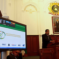 TOLUCA, México.- Julio César Moraga, durante la XIII Conferencia Iberoamericana de Sistemas de Información Geográfica, en donde se dieron cita geógrafos de diversas partes  de América Latina. Agencia MVT / Crisanta Espinosa. (DIGITAL)