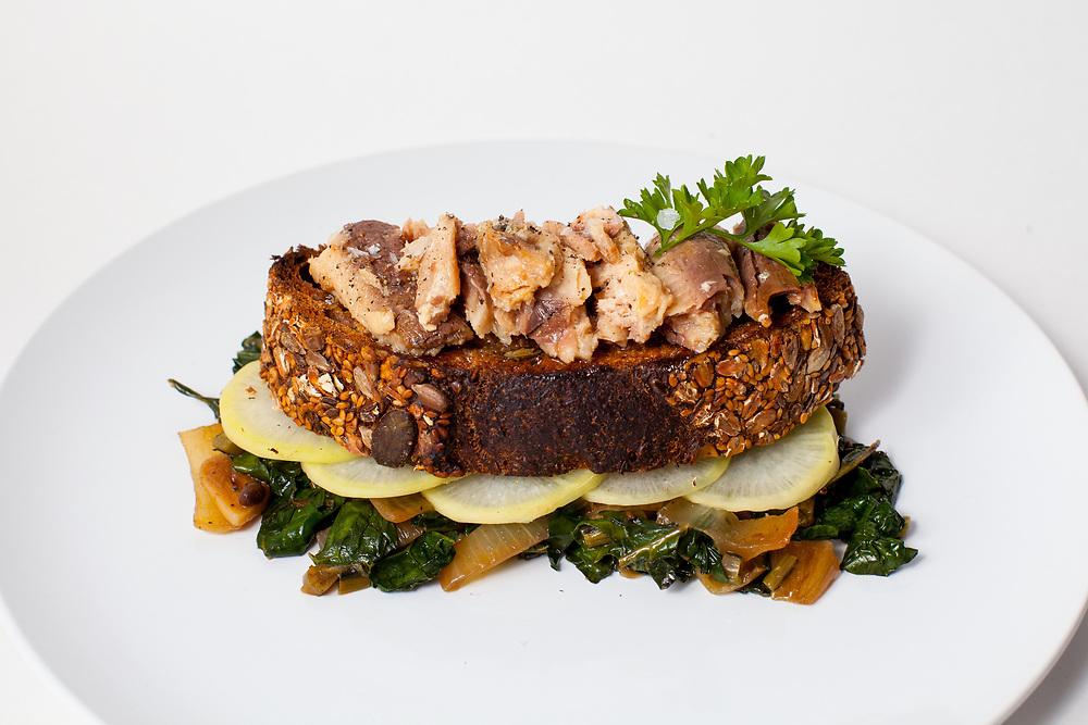 Sardines on toast w/ braised greens  the fridge (m€)