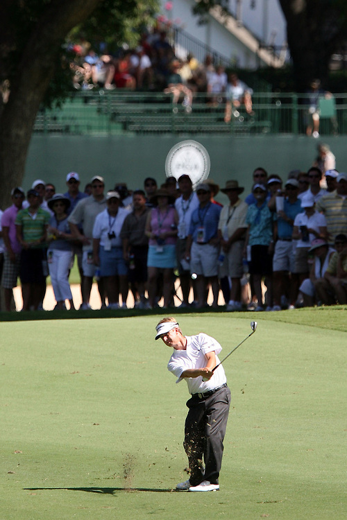 10 August 2007: David Toms makes an approach shot to the 17th green during the second round of the 89th PGA Championship at Southern Hills Country Club in Tulsa, OK.