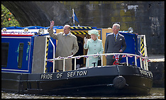 The Queen on a Narrow Boat