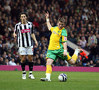 Photo: Mark Stephenson.<br /> West Bromwich Albion v Norwich City. Coca Cola Championship. 27/10/2007.Norwich's Michael Spillane shoots at goal