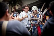 """Cosplay de """"CONNOR"""", Heroe del videojuego """"Assasin's Creed"""" en la Convencion Avalancha de Venezuela que reune a otakus, cosplayers, fanaticos de la ciencia ficcion, comics, anime, mangas y juegos. Caracas, del 9 al 18 de agosto de 2013. (Foto / ivan Gonzalez)"""
