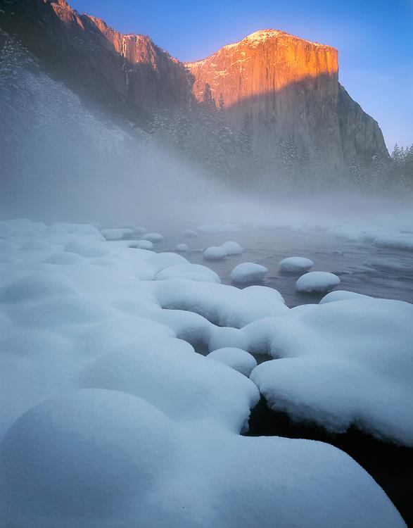 El Capitan, morning light, winter, Yosemite National Park, California, USA