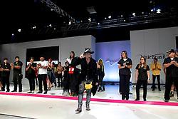"""Show """"What Inspires You?"""" por Robert Cromeans durante a HAIR BRASIL 2012 - 12 ª Feira Internacional de Beleza, Cabelos e Estética, que acontece de 24 a 27 de março no Expocenter Norte, em São Paulo. FOTO: Jefferson Bernardes/Preview.com"""