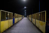 Bialystok, 23.03.2020. Pustki na ulicach Bialegostku podczas epidemii koronawirusa N/z kladka dla pieszych na dworcu PKP fot Michal Kosc / AGENCJA WSCHOD