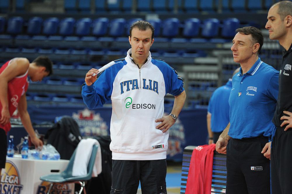 DESCRIZIONE : Pesaro allenamento All star game 2012 <br /> GIOCATORE : Simone Pianigiani<br /> CATEGORIA : curiosita ritratto<br /> SQUADRA : Italia<br /> EVENTO : All star game 2012<br /> GARA : allenamento Italia<br /> DATA : 09/03/2012<br /> SPORT : Pallacanestro <br /> AUTORE : Agenzia Ciamillo-Castoria/GiulioCiamillo<br /> Galleria : Campionato di basket 2011-2012<br /> Fotonotizia : Pesaro Campionato di Basket 2011-12 allenamento All star game 2012<br /> Predefinita :
