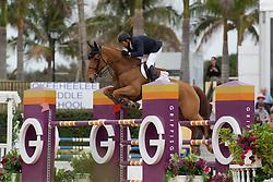 Lamaze Eric (CAN) - Derly Chin de Muze<br /> Horseware GP CSI 2*<br /> Wellington 2012<br /> © Hippo Foto - Cealy Tetly